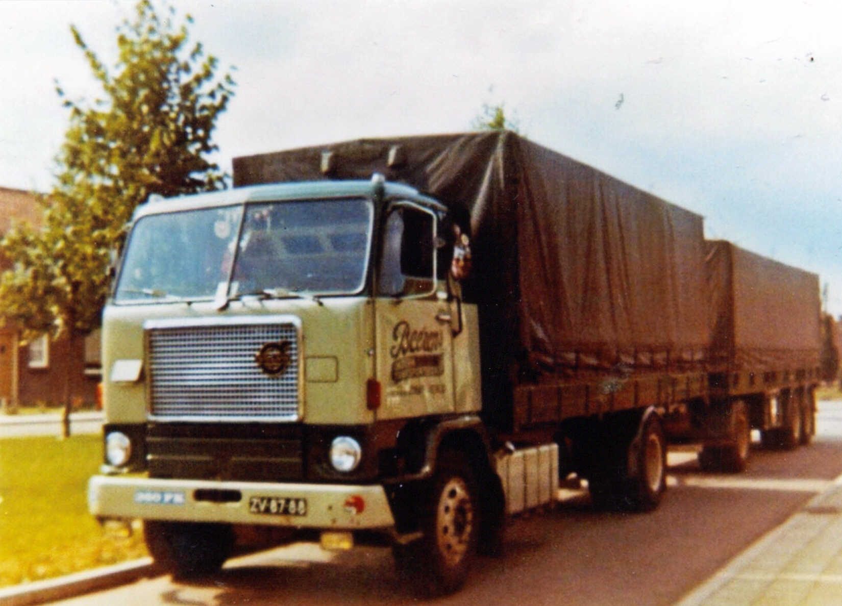 Volvo ZV-87-88_bewerkt